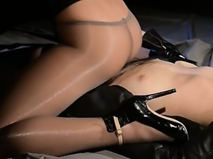 Blindfolded beauty gets fuck by strap on