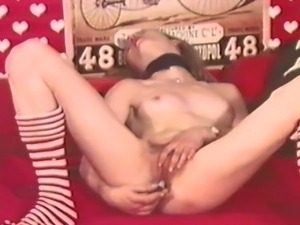 A classic Danish loop from the 1970s featuring a hot young blonde who...