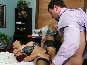 Classy hottie Jasmine Caro munches on Preston Parkers hard dick before he...