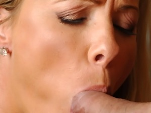 Kayla Synz doing a marvelous blowjob and humping