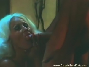 Vintage blonde fire is ready for a hot fuck