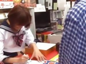 Kirara Asuka has public sex
