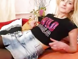 Petite hirsute puss madame Antonie first time movie
