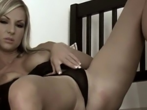 blonde latin sexy blonde milf posing like a bitch for my amateur camera