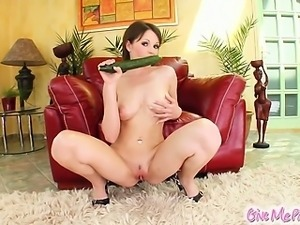 Nelly rubs oil all over her skin before spreading that sexy pink pussy of...