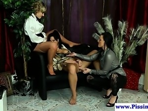 Pissing lesbians licking wet clit in high def