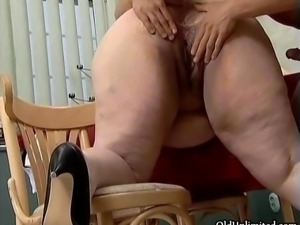 Fat mature whore goes crazy getting her fat pussy plowed