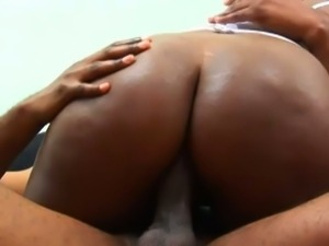 Cute ebony rubi red takes black schlong