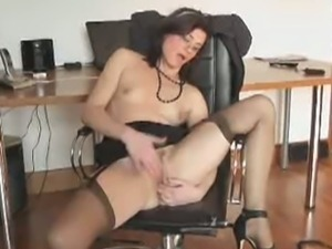 Sexy secretary rubs her cunt on her office chair
