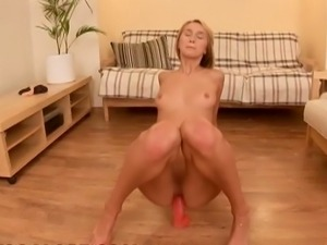Teen solo masturbation with wet pussy close up!