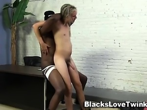 White hippy sucks big black dick