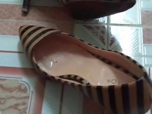Cumshot on girlfreind's heels. No cum on wife's heels,shoes