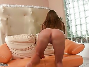 Brunette Cathy Heaven shows her private parts