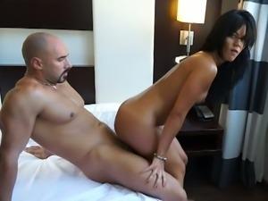 Booty latina jazmina volcan gets her ass oiled.