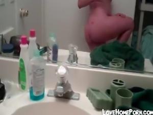 Chubby girlfriend takes a sexy selfie