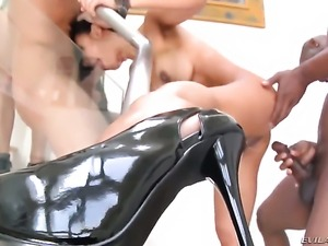 Chris Charming has unforgettable oral sex with Exotic Tia Ling after anal fun
