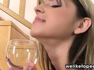 Sexy European tastes her piss