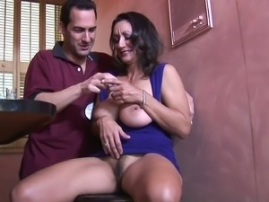 MILF Persia Monir got her snatch eaten