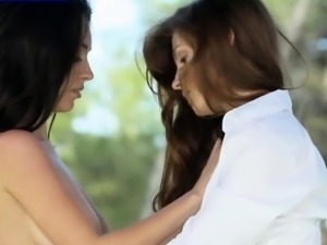 Outdoor make out with hot teens
