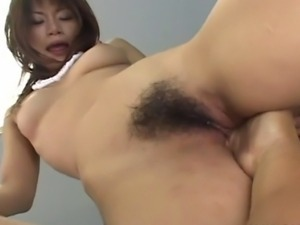 Mika Mizuno gets out of that hot bikini and gets the fingering and the pussy...