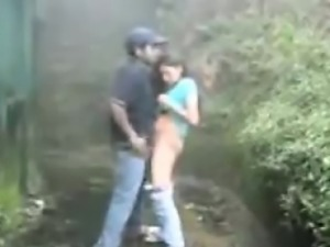 Couple take a hike and fuck outdoors