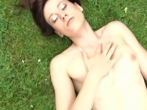Minnie Manga exposes her suckable tits and clit
