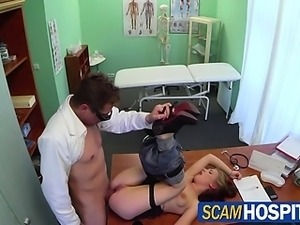 Catrin gets a free hot sex in the clinic