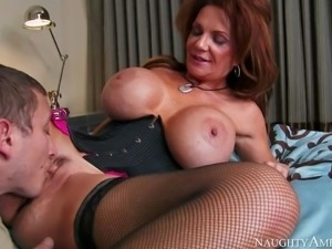 Deauxma is a gorgeous mature woman with fantastic massive tits. Slutty woman...