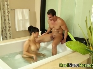 Asian masseuse fucking and sucking in the bath in hd