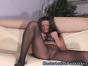 Masturbating femdom babe in pantyhose