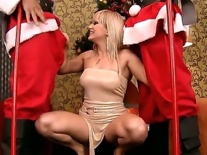 This is what naughty girls like Lee Lexxus get for Christmas. I dont see her...