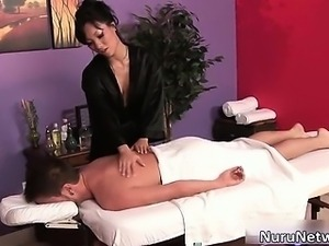 Hot babe gives great erotic massage part2