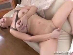 chubby mature slut masturbates