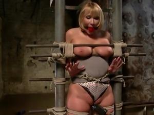mellanie suffers for her pleasure