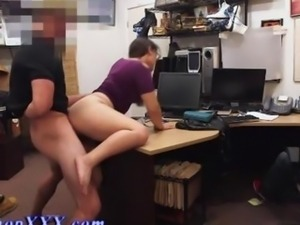 Pawn shop shoplifter gets slammed from the rear