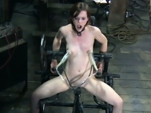 Caged sub skank in water punishment