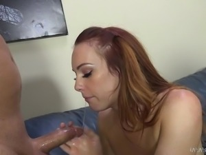 brown haired slut makes herself squirt