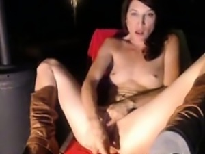 Sexy milf babe fucks her creamy pussy until she squirts 1
