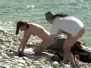 Voyeuring swinger Orgy on Nude Beach