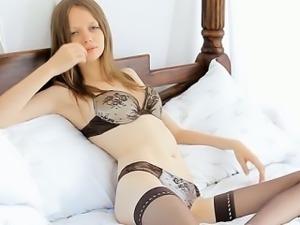 Lusty pleasures for sexy twat