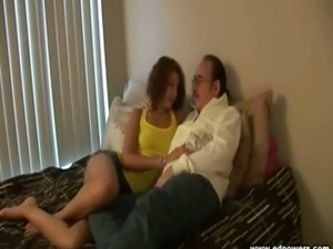 Esmi Lee makes out with Ed Powers on the bed