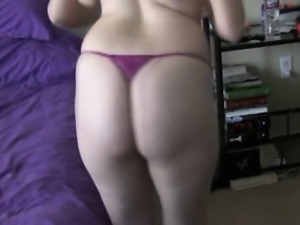 Sexy Ass College Babe In A Hot Sexy Strip Dance