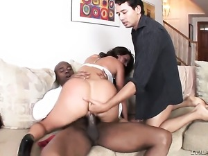 Sean Michaels gets turned on by Franceska Jaimes and then bangs her back...
