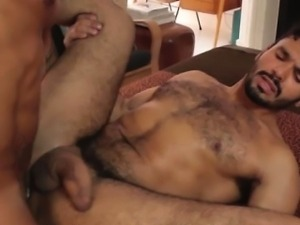Muscled tattood hunk gets his ass nailed