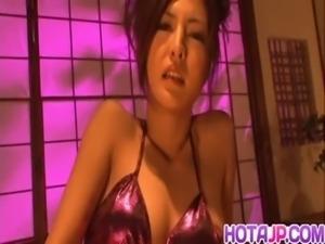 Julia enjoys her steamy pussy free