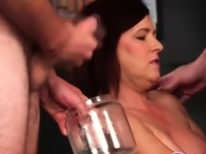 Mature cumbucket challenge