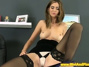 Pissing action with tall stockings babe