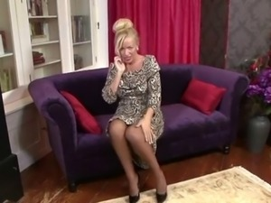 British milf talks the talk