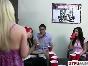 College teens flashed tits at the party