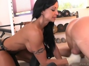 jewels jade loves to play with her man @ milf strap #02